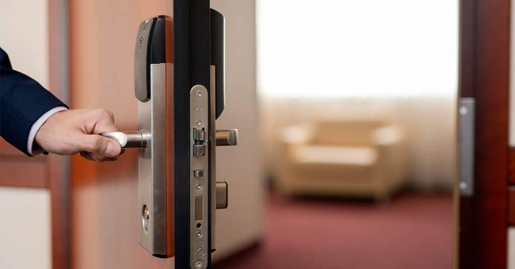 bezpecnostne dvere