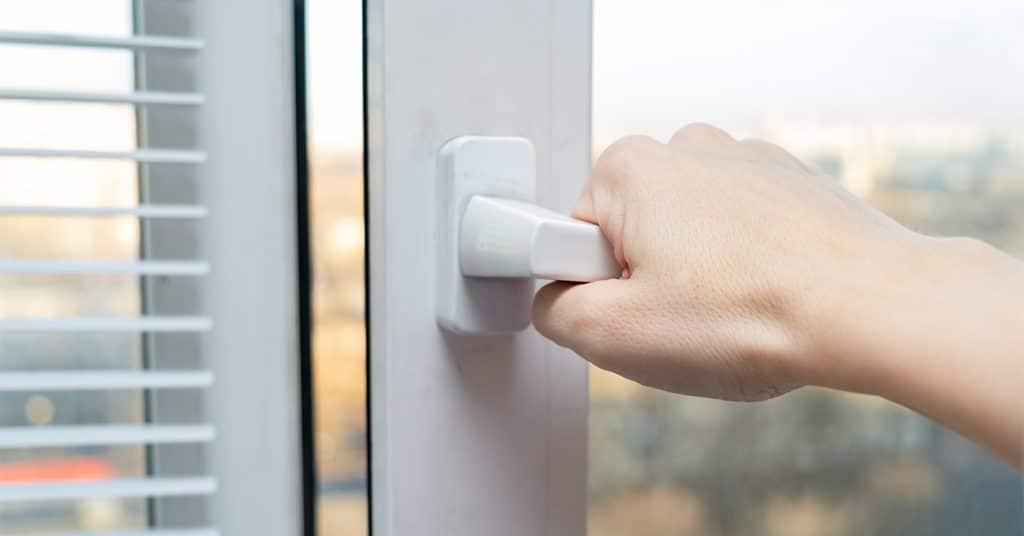 zatvaranie okien