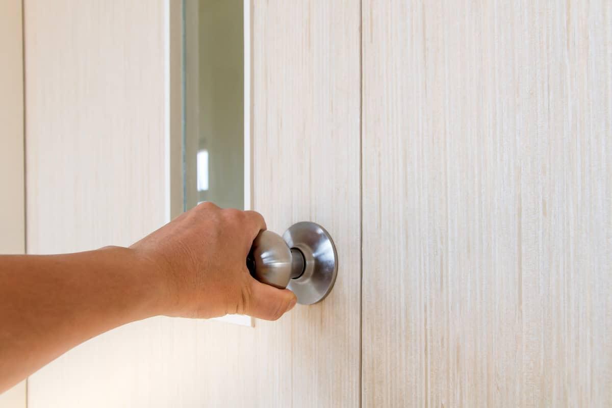 lock service, klucova sluzba, otvaranie zabuchnutych dveri, lock auto